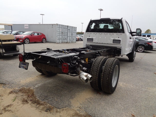 2017 F-450 Regular Cab DRW 4x4 Cab Chassis #175322 - photo 2