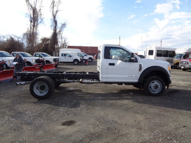 2017 F-450 Regular Cab DRW 4x4, Cab Chassis #175452 - photo 3
