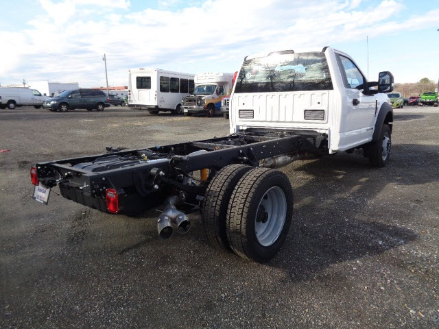 2017 F-450 Regular Cab DRW 4x4, Cab Chassis #175452 - photo 2