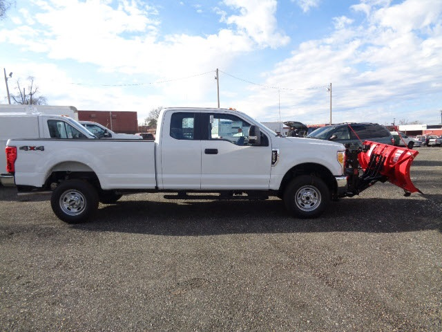 2017 F-250 Super Cab 4x4, Pickup #175518 - photo 3