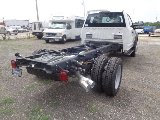 2017 F-550 Regular Cab DRW Cab Chassis #175837 - photo 2