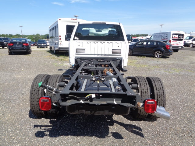 2017 F-450 Regular Cab DRW Cab Chassis #175890 - photo 5