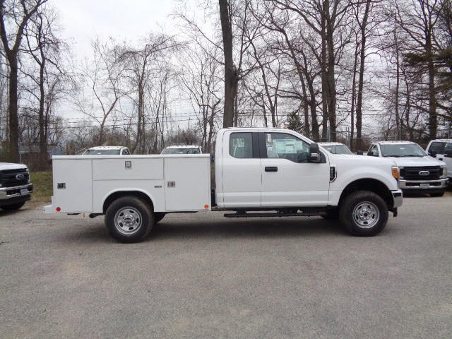 2017 F-350 Super Cab 4x4, Reading Service Body #175894 - photo 3