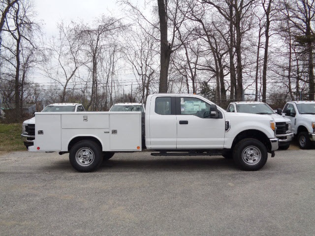 2017 F-350 Super Cab 4x4, Reading Service Body #175895 - photo 3