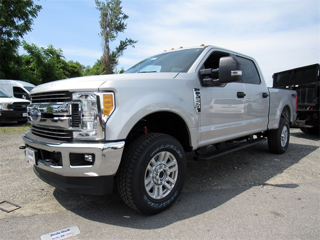 2017 F-250 Crew Cab 4x4,  Pickup #176151 - photo 4