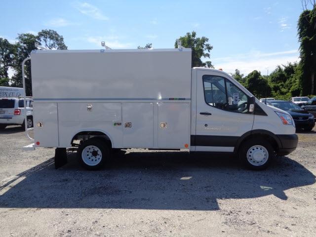 reading equipment service utility van trucks. Black Bedroom Furniture Sets. Home Design Ideas