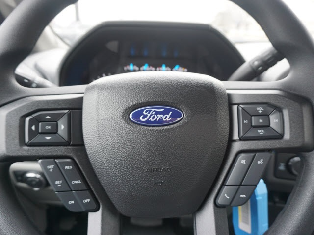 2017 F-250 Regular Cab 4x4, Ford Pickup #176890 - photo 17