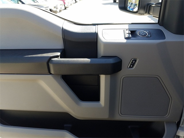 2018 F-250 Regular Cab 4x4,  Pickup #185373 - photo 11