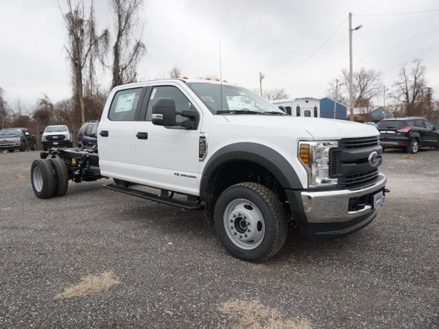2018 F-450 Crew Cab DRW 4x4,  Cab Chassis #185453 - photo 3