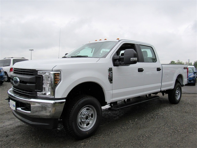 2018 F-250 Crew Cab 4x4,  Pickup #186109 - photo 4