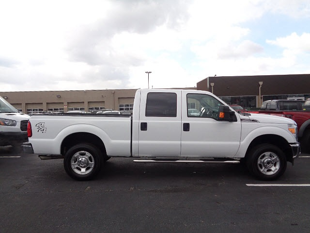 2016 F-250 Crew Cab 4x4, Pickup #P15355 - photo 3