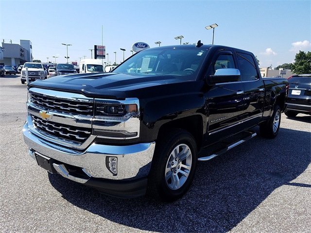 2017 Silverado 1500 Crew Cab 4x4,  Pickup #P16030 - photo 4
