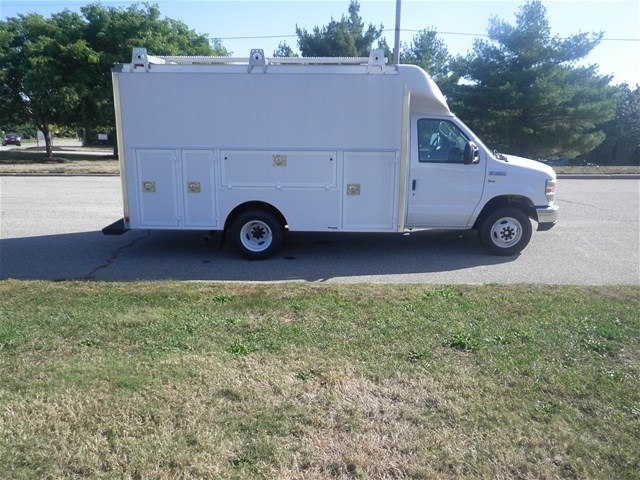 2017 E-350, Supreme Service Utility Van #CR1620 - photo 3