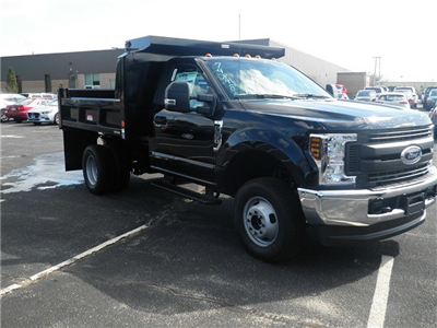2018 F-350 Regular Cab DRW 4x4,  Reading Marauder Standard Duty Dump Body #CR3233 - photo 3