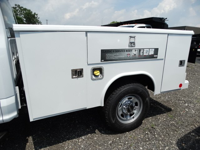 2018 F-350 Super Cab 4x4,  Reading Classic II Steel Service Body #CR3771 - photo 2