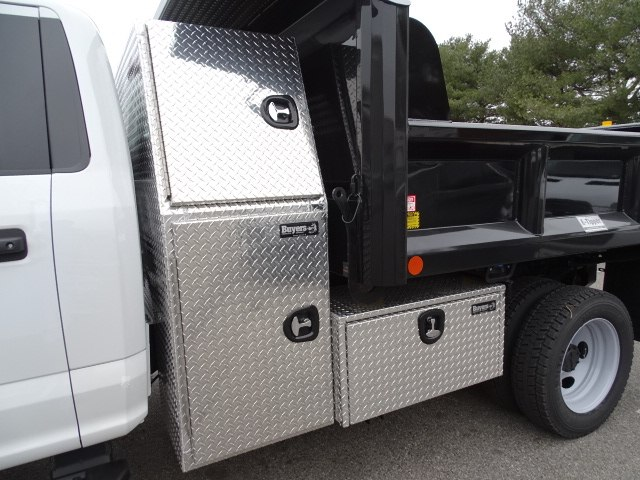 2019 F-550 Regular Cab DRW 4x4,  Crysteel E-Tipper Dump Body #CR4604 - photo 4