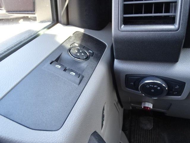 2019 F-550 Regular Cab DRW 4x4,  Dump Body #CR4645 - photo 9