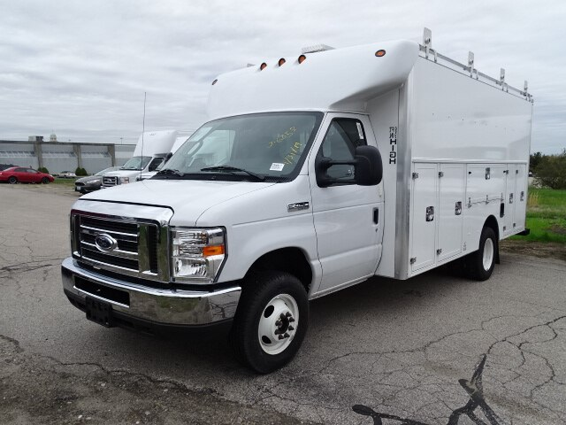2019 E-450 4x2,  Supreme Spartan Cargo Cutaway Van #CR4817 - photo 3