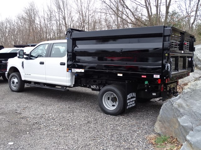 2019 F-350 Crew Cab DRW 4x4,  Rugby Landscape Dump #CR5575 - photo 1