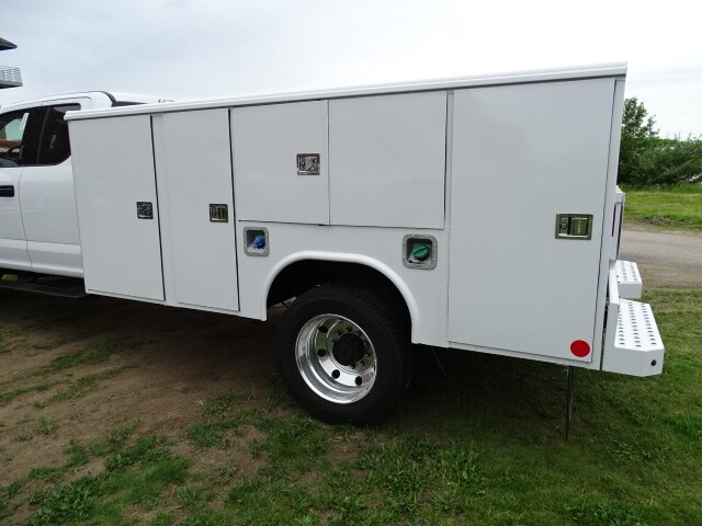 2019 F-550 Super Cab DRW 4x4,  Reading Service Body #CR5728 - photo 1