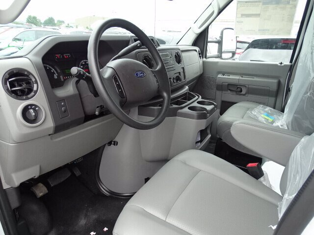2019 Ford E-350 RWD, Rockport Cutaway Van #CR5882 - photo 4