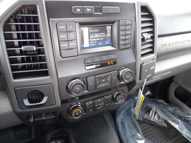 2019 F-550 Regular Cab DRW 4x4, Cab Chassis #CR6141 - photo 6