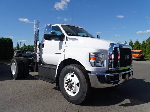 2019 Ford F-750 Regular Cab DRW 4x2, Cab Chassis #CR7120 - photo 1