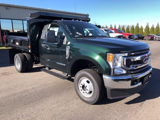 2021 Ford F-350 Regular Cab DRW 4x4, Reading Dump Body #CR8136 - photo 1
