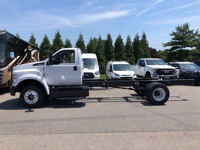 2022 Ford F-650 Regular Cab DRW 4x2, Cab Chassis #CR8506 - photo 1