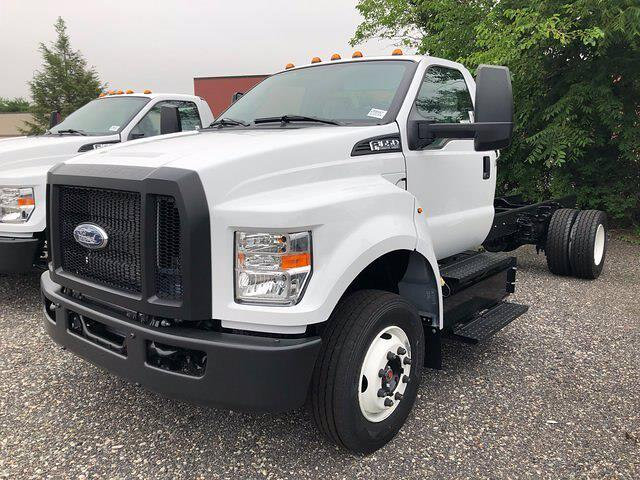 2022 Ford F-650 Regular Cab DRW 4x2, Cab Chassis #CR8547 - photo 1