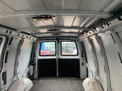 2018 Savana 2500 4x2,  Empty Cargo Van #CR8592A - photo 2