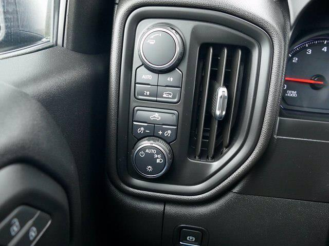 2020 Chevrolet Silverado 1500 Crew Cab 4x4, Pickup #IP6676A - photo 24