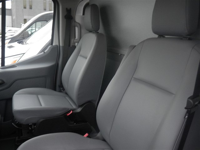 2018 Transit 250 Low Roof 4x2,  Empty Cargo Van #G4613FC - photo 19