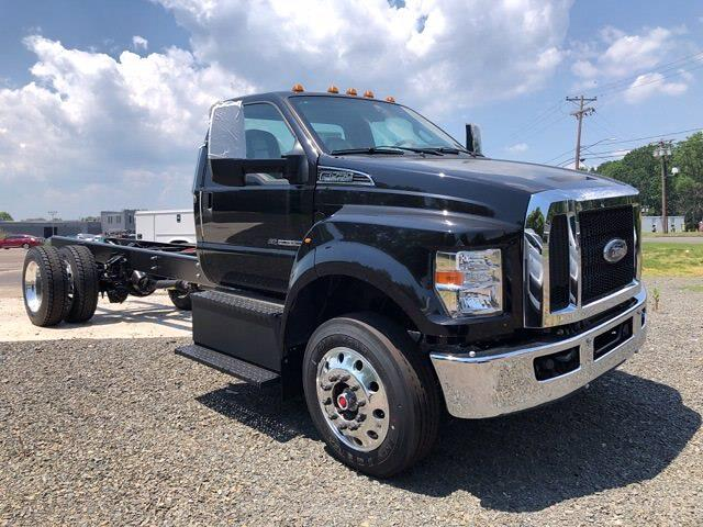2022 Ford F-750 Regular Cab DRW 4x2, Cab Chassis #G7501 - photo 1