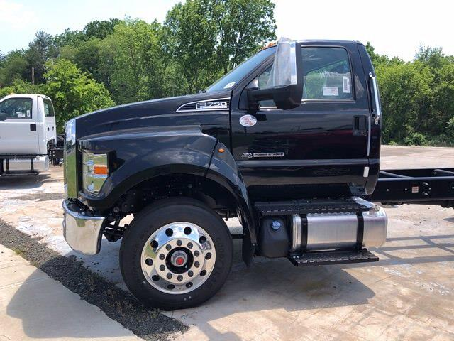 2022 Ford F-750 Regular Cab DRW 4x2, Cab Chassis #G7528 - photo 3