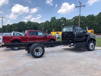 2022 Ford F-750 Regular Cab DRW 4x2, Cab Chassis #G7528 - photo 2