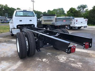 2022 Ford F-750 Regular Cab DRW 4x2, Cab Chassis #G7704 - photo 2