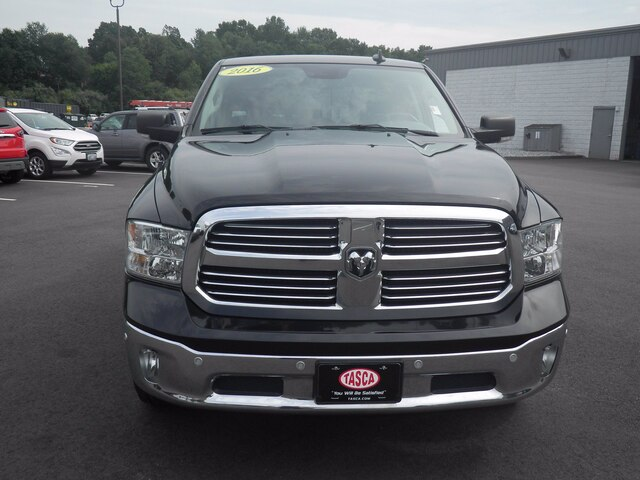 2016 Ram 1500 Crew Cab 4x4, Pickup #H3752A - photo 4