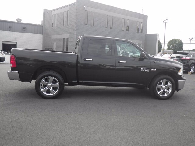2016 Ram 1500 Crew Cab 4x4, Pickup #H3752A - photo 25