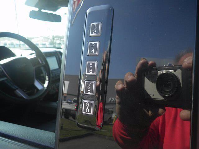 2018 Ford F-150 SuperCrew Cab 4x4, Pickup #H3941 - photo 17