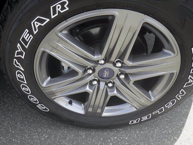 2020 Ford F-150 SuperCrew Cab 4x4, Pickup #H3955 - photo 11