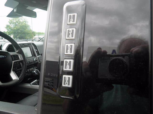 2017 Ford F-150 SuperCrew Cab 4x4, Pickup #H3965 - photo 18