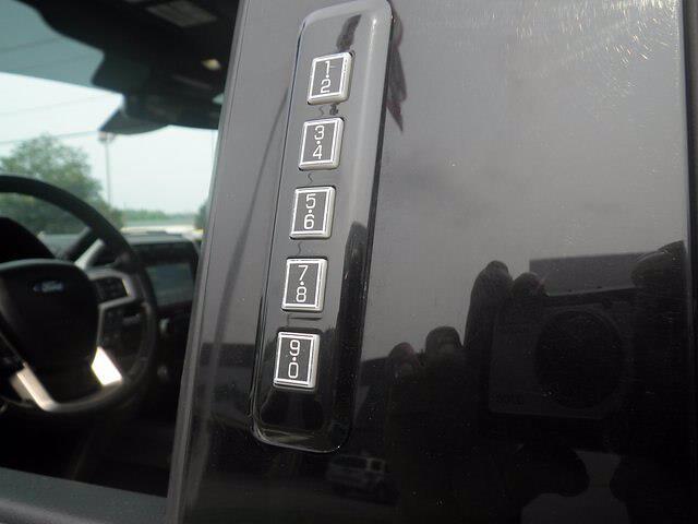 2017 Ford F-350 Crew Cab 4x4, Pickup #H4012 - photo 19