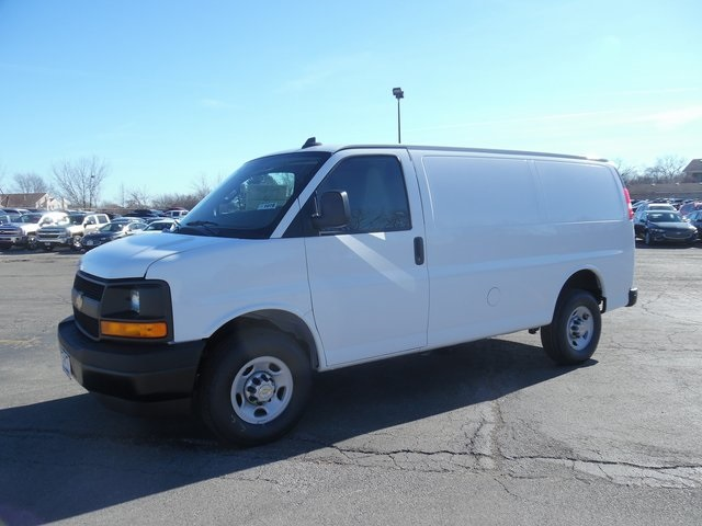 2017 Express 3500 Cargo Van #17-1078 - photo 4