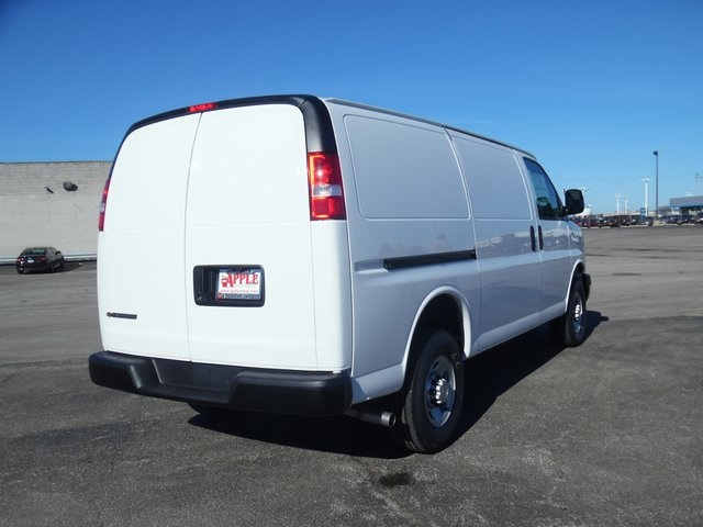 2017 Express 3500 Cargo Van #17-1078 - photo 8