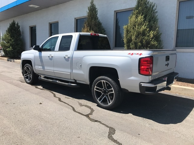 2017 Silverado 1500 Double Cab 4x4 Pickup #17-1501 - photo 6