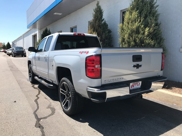 2017 Silverado 1500 Double Cab 4x4 Pickup #17-1501 - photo 2