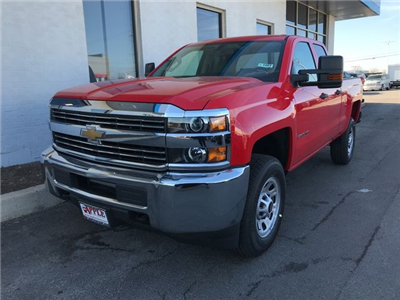 2018 Silverado 2500 Double Cab 4x4, Pickup #18-1081 - photo 4