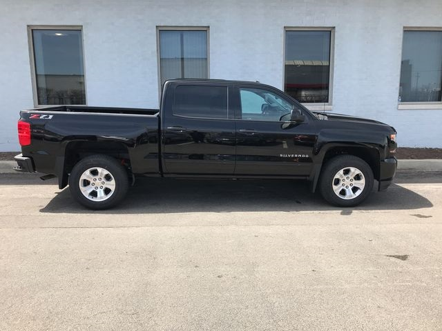 2018 Silverado 1500 Crew Cab 4x4,  Pickup #18-1384 - photo 8