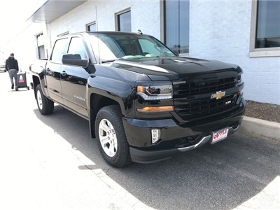 2018 Silverado 1500 Crew Cab 4x4,  Pickup #18-1384 - photo 9